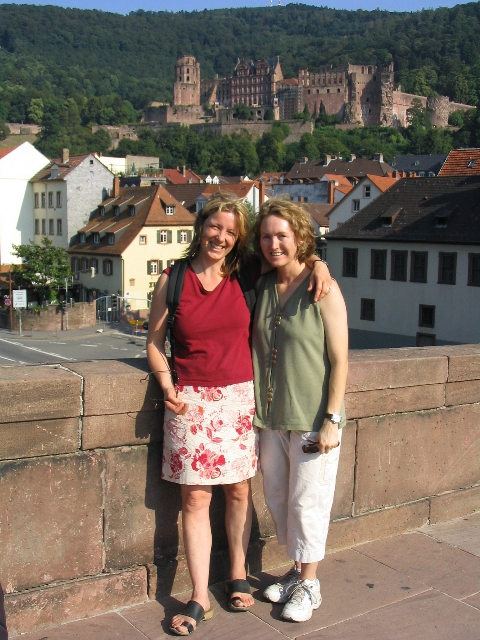 Desiree und Ondine on the Alte Brucke